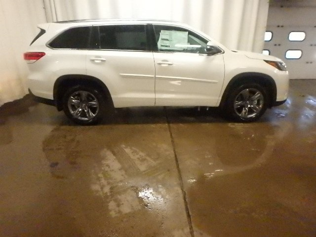New 2019 Toyota Highlander LTD